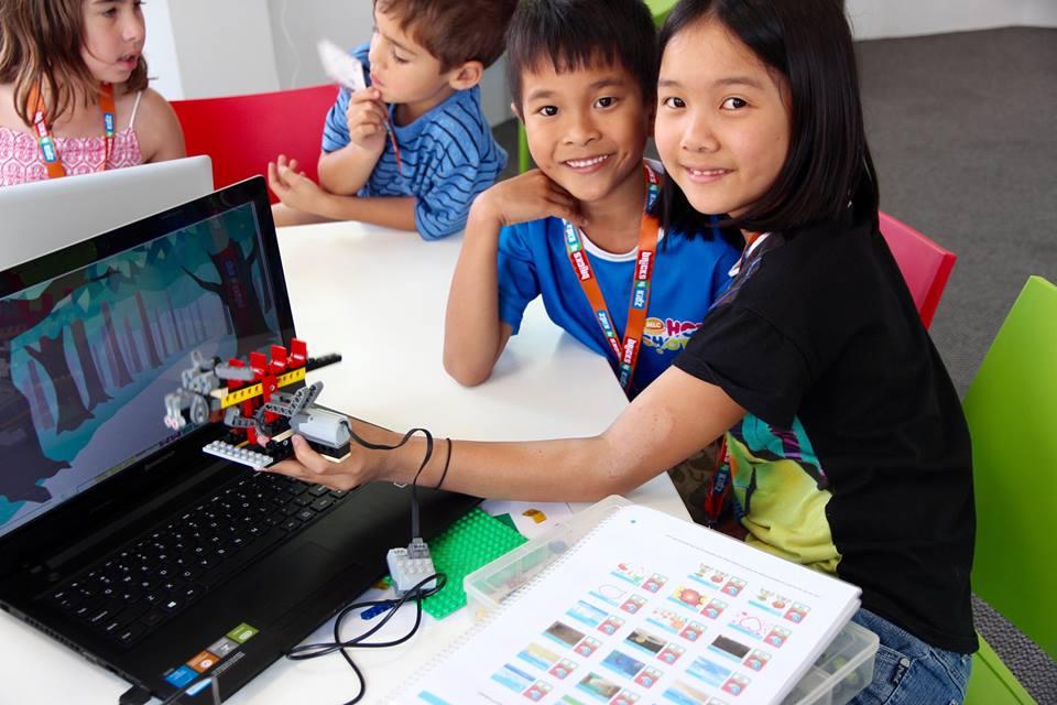 LES ENFANTS ET LA TECHNOLOGIE : COMMENT CRÉER UNE RELATION SAINE?